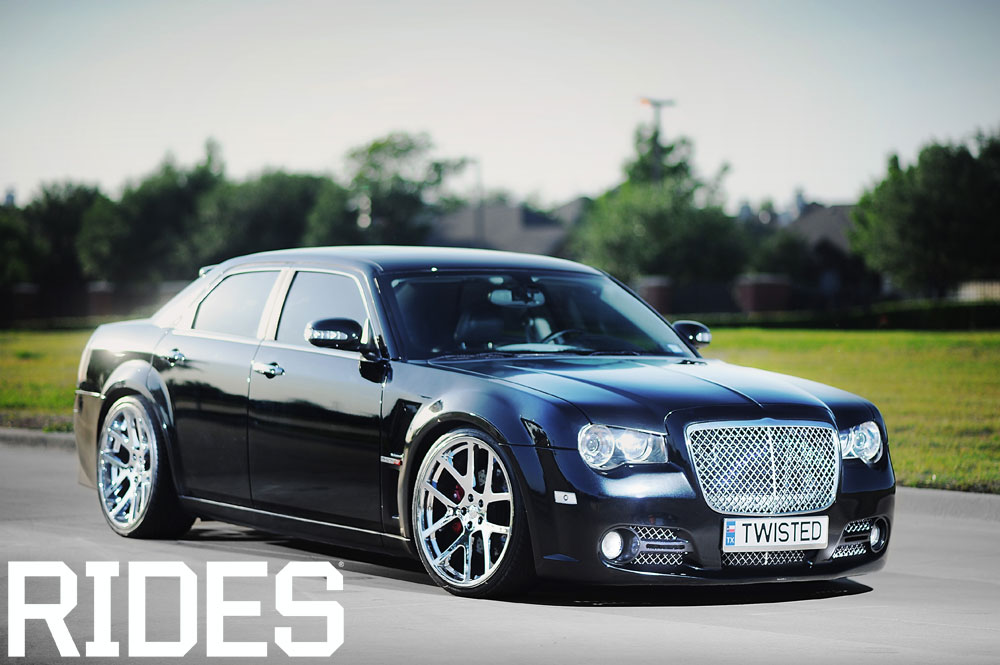 rides cars dfwlx chrysler 300C srt8
