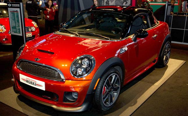 rides cars mini nyias new york auto show coupe countryman