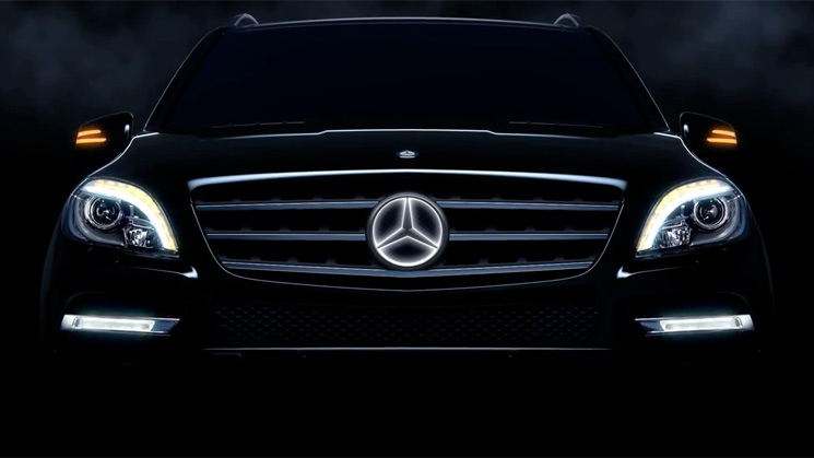 mercedes-benz-m-class-light-up-star