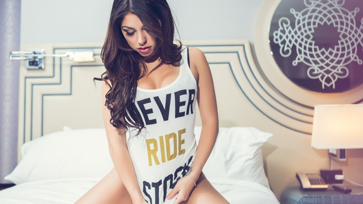 lauren king seam rides magazine model las vegas carmabrand never ride stock