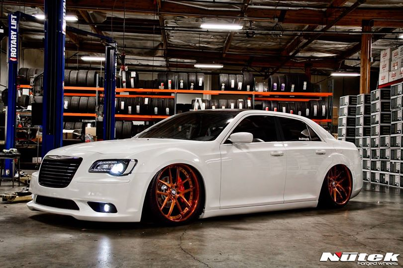 Bagged Chrysler 300s By Nutek Forged Wheels Video
