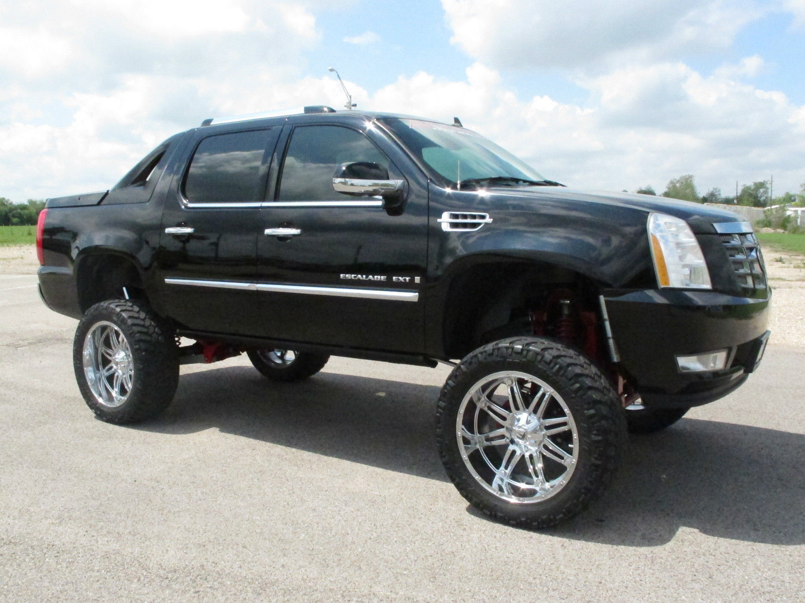 Best Off Road Tires >> Lifted Escalade EXT On Fuel Wheels | For Sale Friday - Rides Magazine